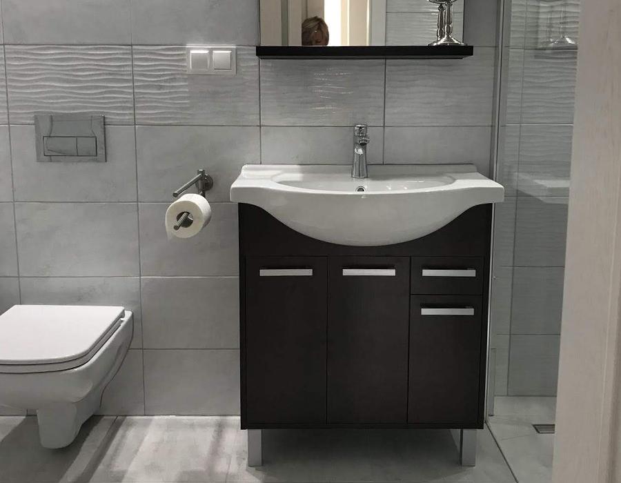Łazienka duża z WC i prysznicem